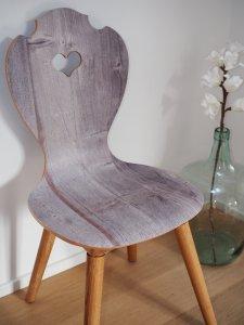 Küchenstuhl als Schalenstuhl aus Holz in Altholz