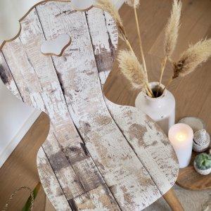 Herzerlstuhl White Paint Schalenstuhl Kunstwerk von oben