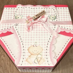 Babygirl Holzklammer mit Namen als Geschenk zur Geburt