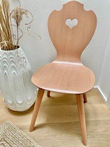 Herzerstuhl Terrakotta geölt mit Juteteppich